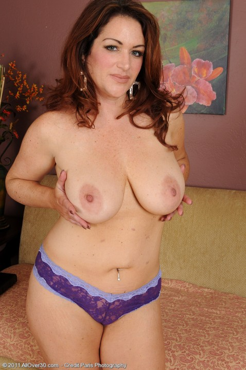 all-over-30-milf-babes-masturbating-Ryan