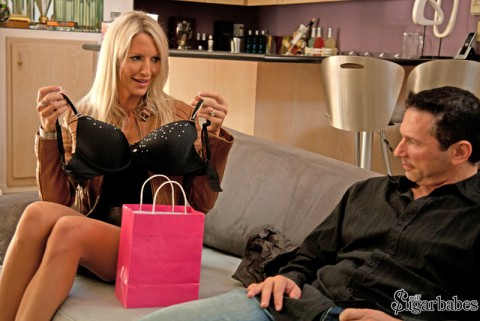 milf-wives-sex-for-cash-emma-starr